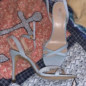 New Charles David 10m lt blue denim heels
